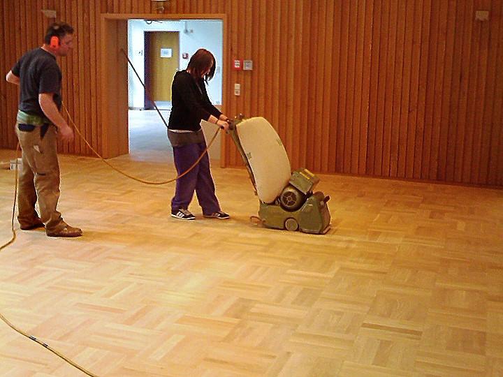 parkett reparieren simple prokop parkett alt with parkett reparieren stelle auf wird mit per. Black Bedroom Furniture Sets. Home Design Ideas